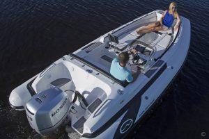 Boats for Sale in London UK - Grosvenor Yachts - Walker Bay Generation 525