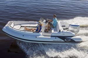 Boats for Sale in London UK - Grosvenor Yachts - Walker Bay Generation 525