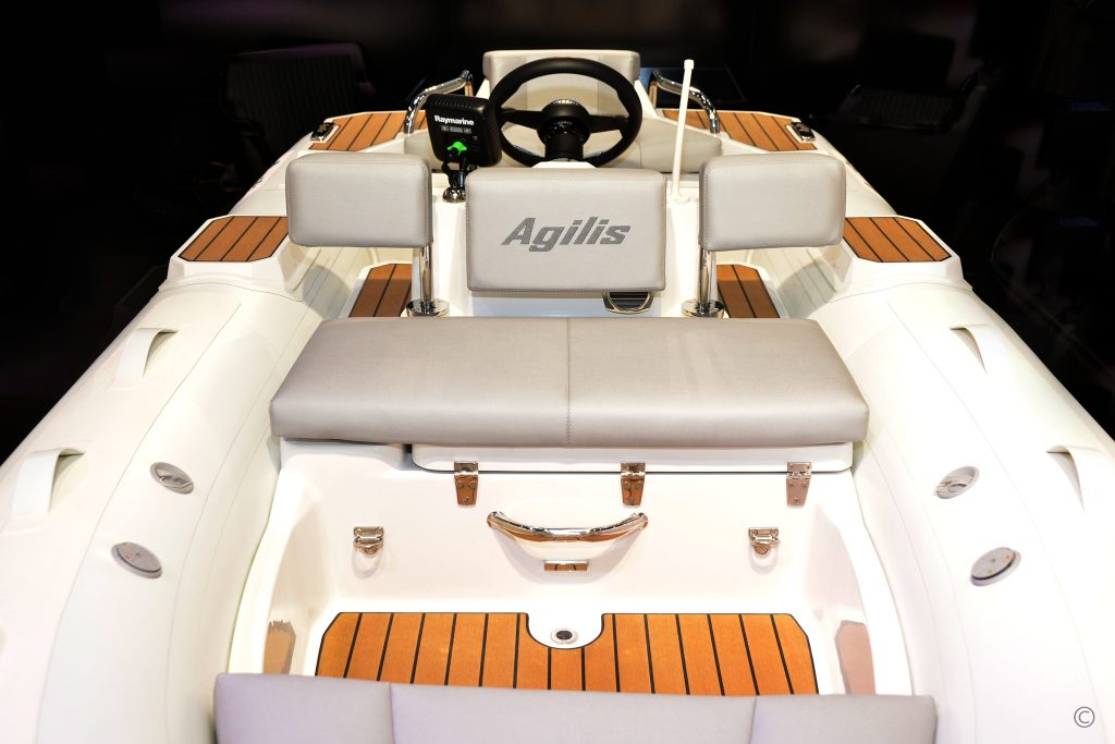 Boats for Sale in London UK - Grosvenor Yachts - Agilis 330 Jet Tender