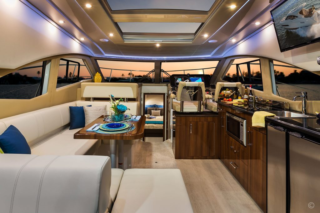 Yachts for Sale in London UK - Grosvenor Yachts - Carver C37 Coupe