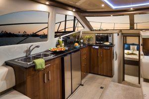 Yachts for Sale in London UK - Grosvenor Yachts - Carver C40 Command Bridge