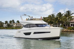 Yachts for Sale in London UK - Grosvenor Yachts - Carver C52 Command Bridge