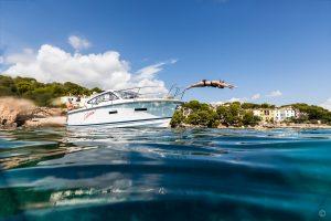 Boats for Sale in London UK - Grosvenor Yachts - Nimbus 305 Drophead