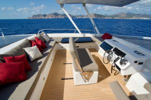 Yachts for Sale in London UK - Grosvenor Yachts - Silent Yachts 55