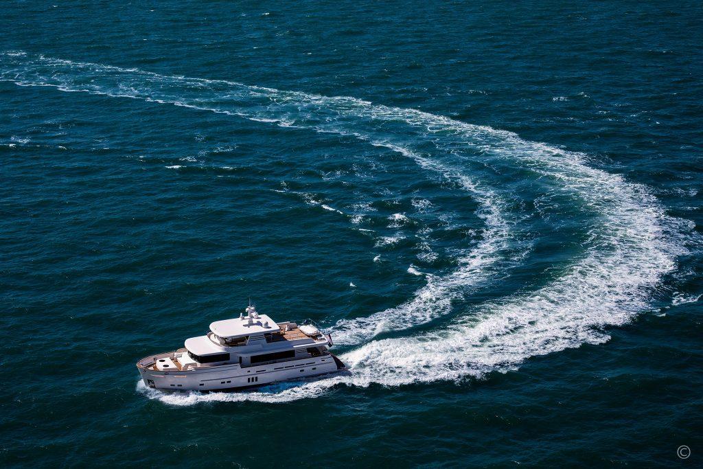 Yachts for Sale in London UK - Grosvenor Yachts - Van der Valk Explorer 25m