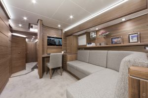 Yachts for Sale in London UK - Grosvenor Yachts - Van der Valk Flybridge 23m