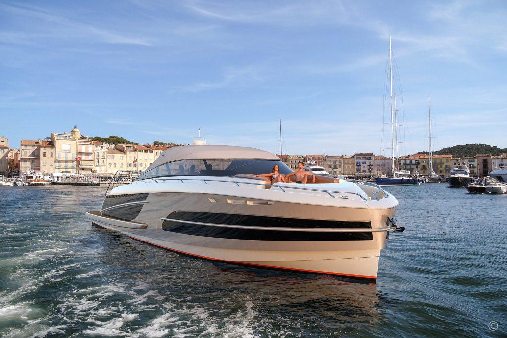 Yachts for Sale in London UK - Grosvenor Yachts - Van der Valk BeachClub Convertible