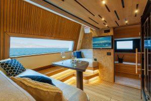 Yachts for Sale in London UK - Grosvenor Yachts - Van der Valk Explorer 28.5m
