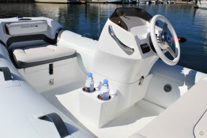 Boats for Sale in London UK - Grosvenor Yachts - Walker Bay Generation LTE 11