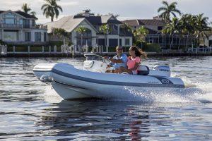 Boats for Sale in London UK - Grosvenor Yachts - Walker Bay Generation DLX 400