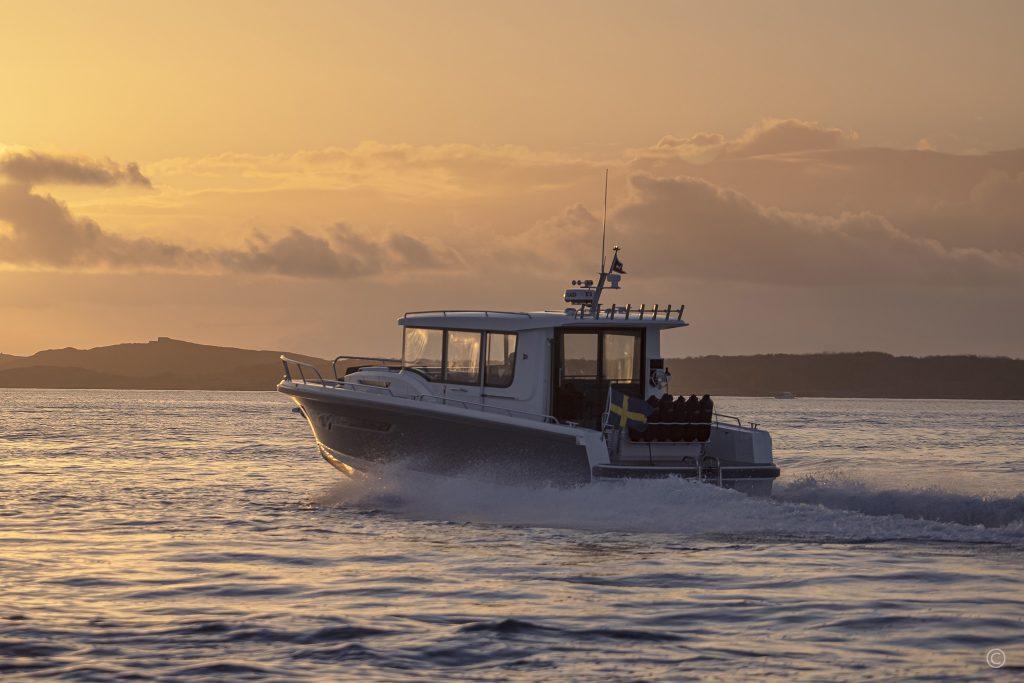 Yachts for Sale in London UK - Grosvenor Yachts - Nimbus Commuter 11