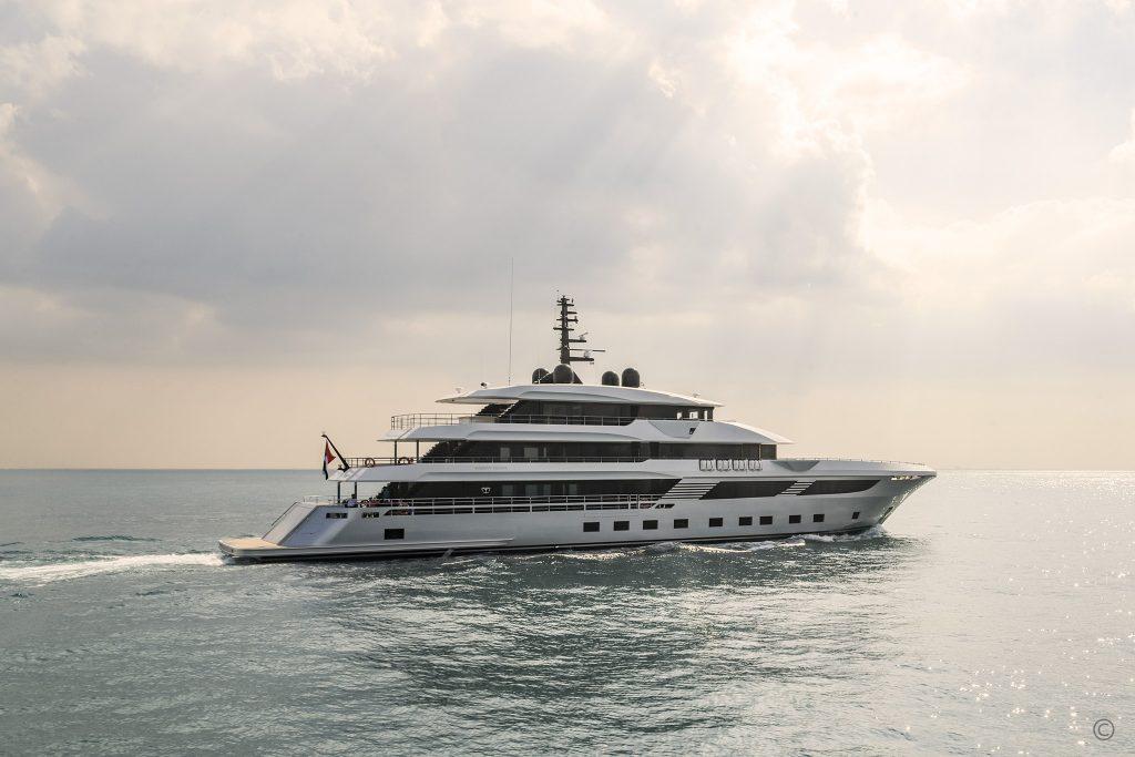 Yachts for Sale in London UK - Grosvenor Yachts - Gulf Craft Majesty 175