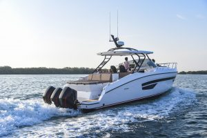 Boats for Sale in London UK - Grosvenor Yachts - Gulf Craft Oryx 379