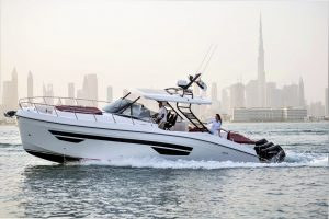 Yachts for Sale in London UK - Grosvenor Yachts - Gulf Craft Oryx 379