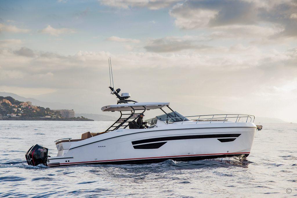 Yachts for Sale in London UK - Grosvenor Yachts - Gulf Craft Oryx 379